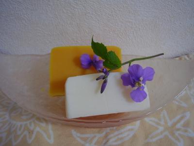 満月の石鹸と新月の石鹸
